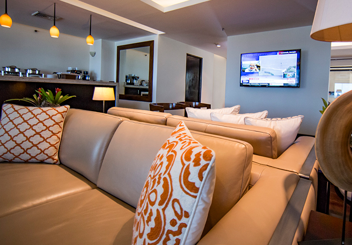 Facilidades grand tikal futura hotel for Casa royal sucursales